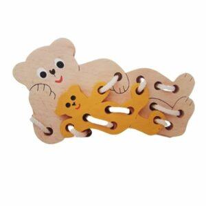 Dřevěný provlíkací medvídek