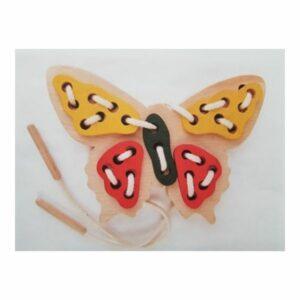 Dřevěný provlíkací motýlek